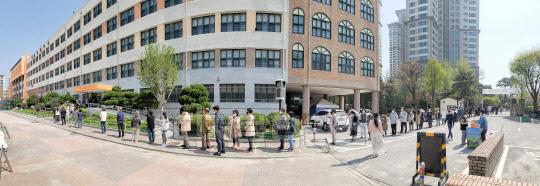 [포토] 서울시장 재보궐 선거 투표 행렬